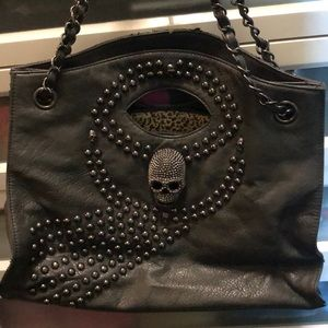Handbags - Women's hand bag with skull and studs
